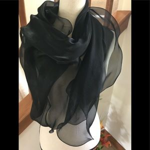 🖤💯BEAUTIFUL RALPH LAUREN SCARF🖤💯 MADE IN ITALY